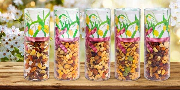 Tubusy s jarním motivem: mix různých druhů ořechů