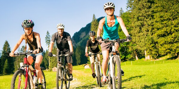 Na kole po Jizerských horách a okolí: tipy na cyklostezky a singltreky