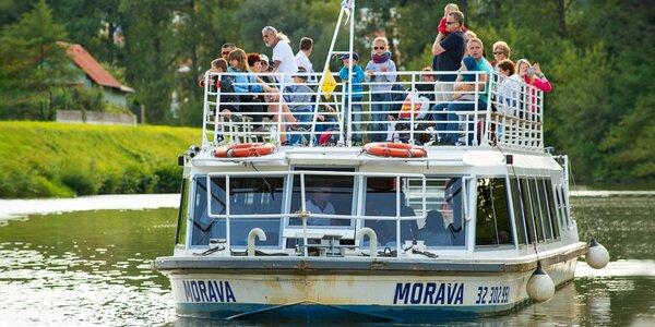 Výlet na Slovácko: skanzen Strážnice, plavba i víno