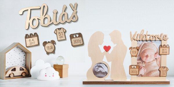 Dřevěný dárek k narození dítěte s porodními údaji