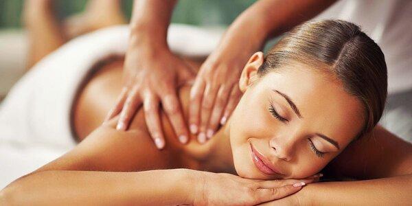45minutová masáž zad pro uvolnění svalstva
