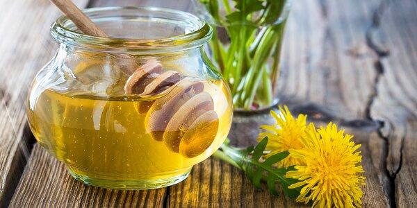 Slaďoučké recepty: uvařte si pampeliškový med a sirupy z bylin i ovoce