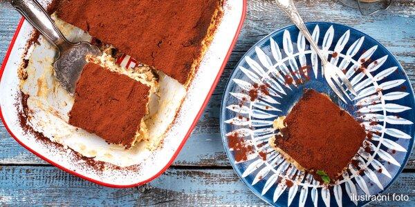 Celý dort tiramisu s sebou: různé příchutě