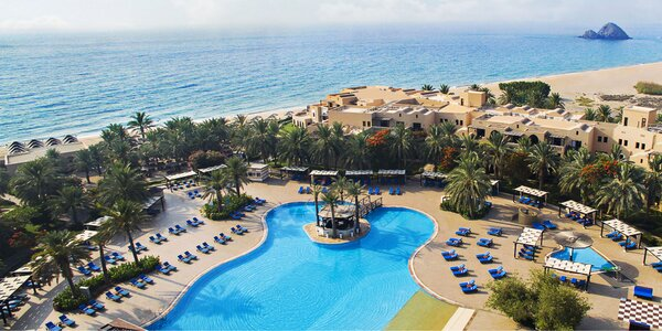 5* resort s wellness a 2 bazény v emirátu Fujairah