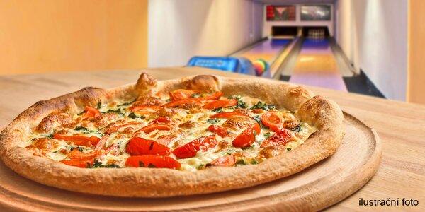 Zábava a jídlo: hodina bowlingu i se 2 pizzami