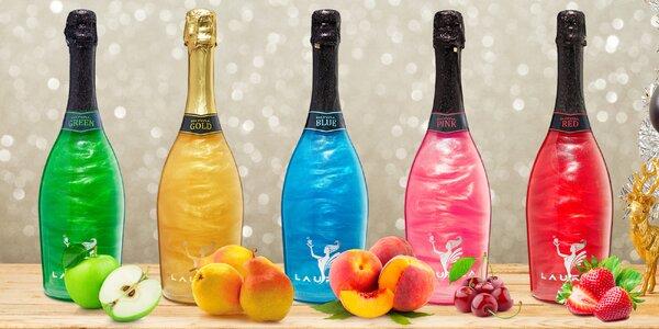 Nápoj na bázi vína s perletí a ovocnou příchutí