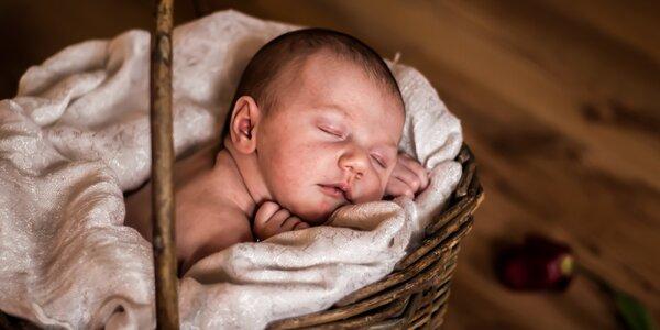 Newborn focení miminek i sourozenců v ateliéru