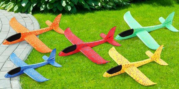 Polystyrenové házecí letadlo v 5 barvách