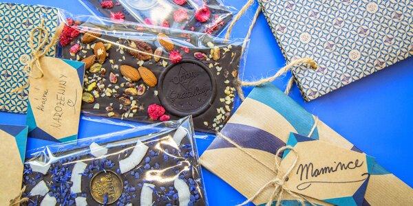 Vlastnoručně nazdobená čokoláda s věnováním z 68% čokolády