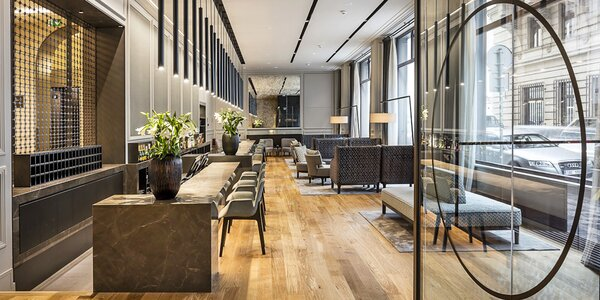 Luxusní 4* hotel v centru Prahy se snídaní