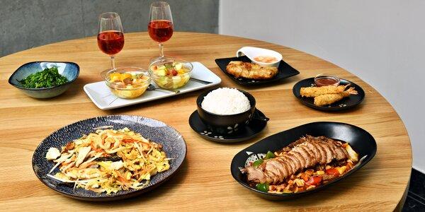 Asijské menu pro 2: kachna, závitky, salát i víno