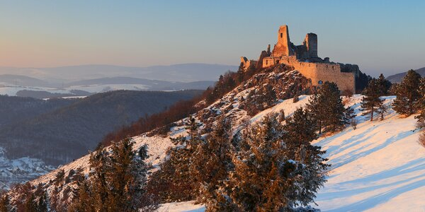 Pobyt u Čachtického hradu: strava i zapůjčení kol