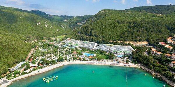 4* hotel na Istrii: u pláže, s bazény a miniklubem