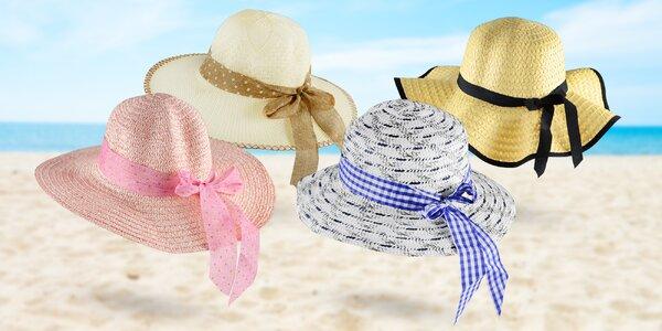 Dámské slaměné klobouky se stuhou