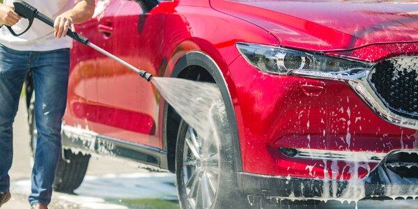 Ruční mytí exteriéru i čištění interiéru auta