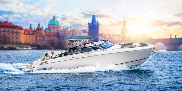 Veřejná nebo soukromá vyhlídková plavba po Vltavě
