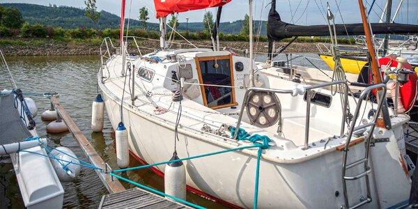 Plavba na plachetnici pro dva i kurz řízení lodi