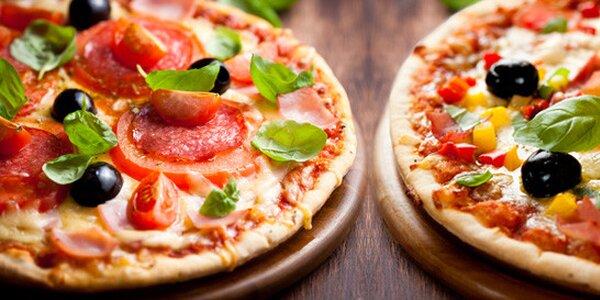 Dvě libovolné pizzy o průměru 32 cm