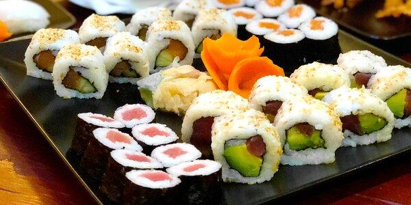 Až 44 kusů sushi i s hovězí polévkou