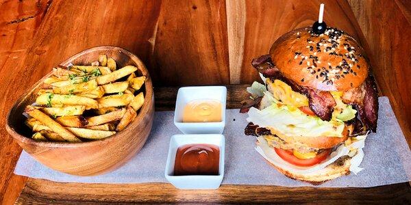 2x hovězí XXL burger, příloha a čokoládový fondant