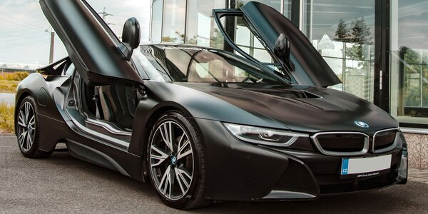 Jízda v BMW i8 Frozen Black Edition