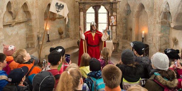 Prohlídka zámku Stránov s historickými osobnostmi