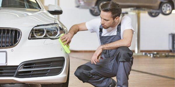 Ruční mytí auta: interiér, exteriér, tepování i komplet