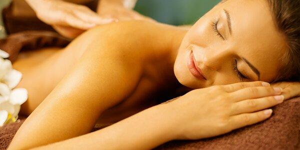 Masáž nahřátým olejem a indická masáž hlavy