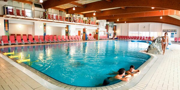 Slovinské termály: vilky u jezera, sauny i skipas