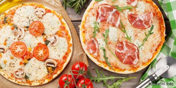 2 nebo 3 bohatě zdobené pizzy dle výběru