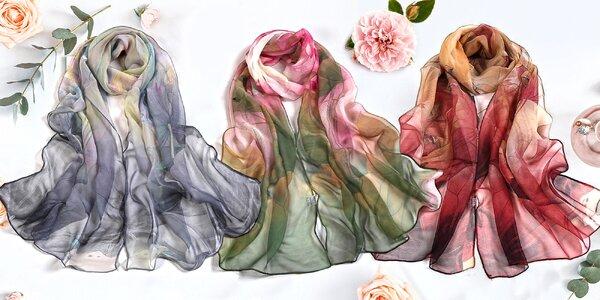 Elegantní lehké šály s lekníny v různých barvách