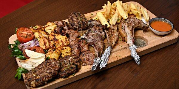 Mix gril v arabské restauraci pro jednoho i partu