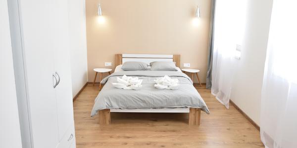 Pobyt v moderních apartmánech v Peci až pro 8 osob