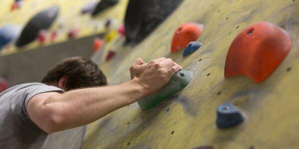 Vstup na lezeckou stěnu pro 2 osoby vč. vybavení