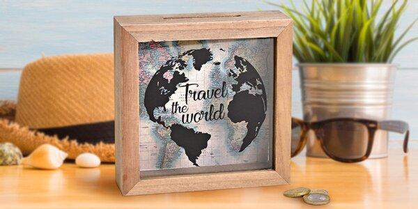 Pokladnička s mapou a nápisem pro cestovatele