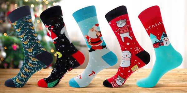 Vánoční ponožky se soby, sněhuláky i vločkami