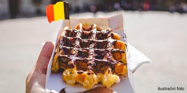 Jedna nebo dvě bruselské vafle s nutellou do ruky