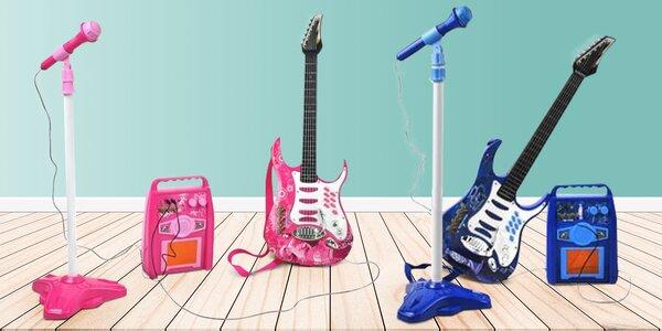 Set pro malé hudebníky: kytara, mikrofon a kombo