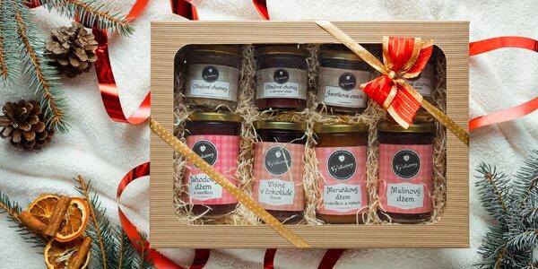 Vánoční balíčky plné džemů, omáček, tyčinek a čatní