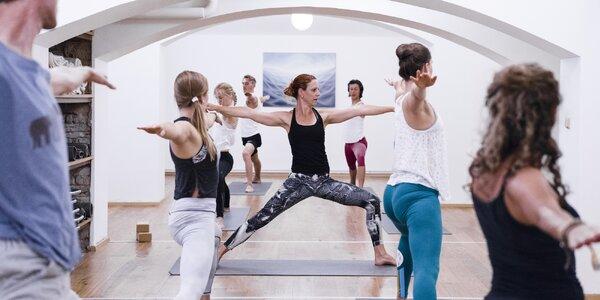 Až 10 lekcí jógy i 3měsíční členství v Yoga Karlín