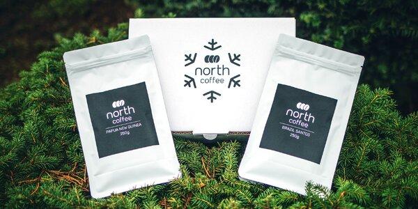 Dvě zrnkové kávy od NorthCoffee ve vánočním balení