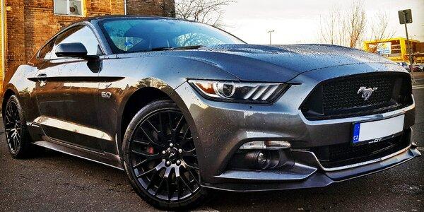 Mustang GT 5.0: spolujízda nebo až 60 min. řízení