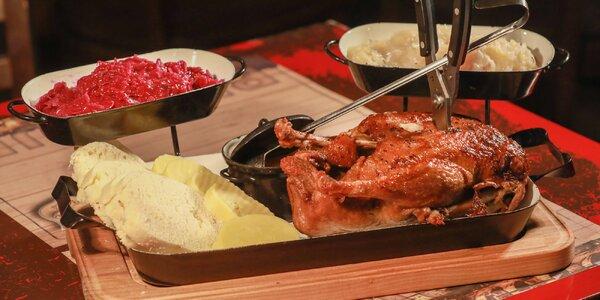 Staročeská kachna, knedlíky i zelí až pro 4 jedlíky