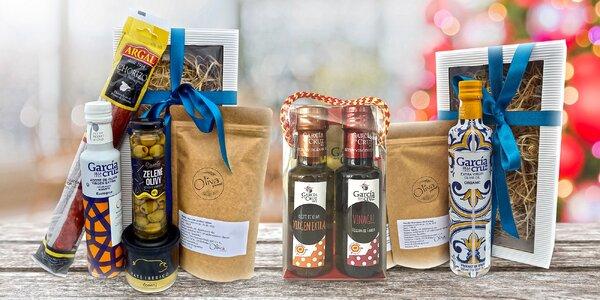 Balíčky španělských delikates: Olivy, olej i chorizo