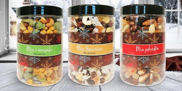 Vánoční dózy se směsí ořechů i tropickým mixem