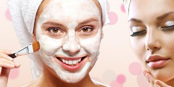 Důkladné kosmetické ošetření pleti přírodní kosmetikou Nobilis