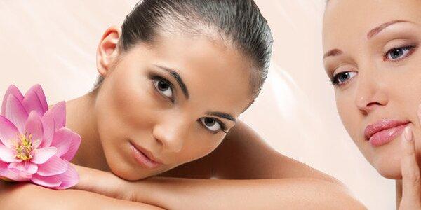 DVĚ hodiny kosmetické péče včetně masáže a barvení řas
