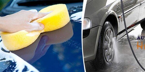 Důkladné mytí auta nebo renovace laku