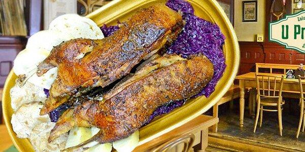 Pečená kachna pro dva včetně knedlíků a zelí