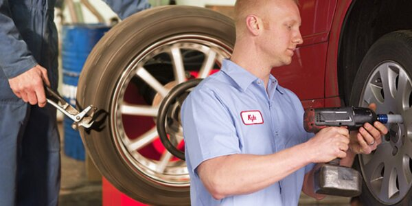Jarní přezutí pneumatik včetně vyvážení všech kol